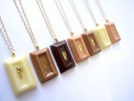 板チョコネックレス