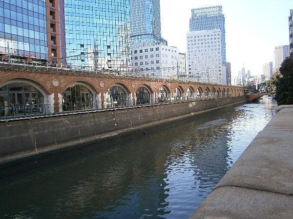 神田川とアーチ橋