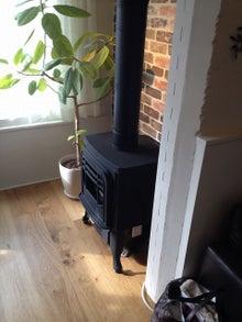 暖炉風ガスファンヒーター