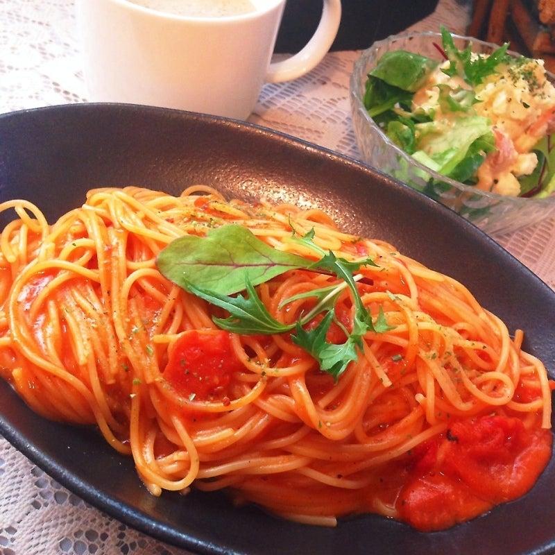 蟹とトマトのクリームパスタ