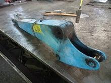 ユンボ(ショベル)のアームを油圧プレスで修理