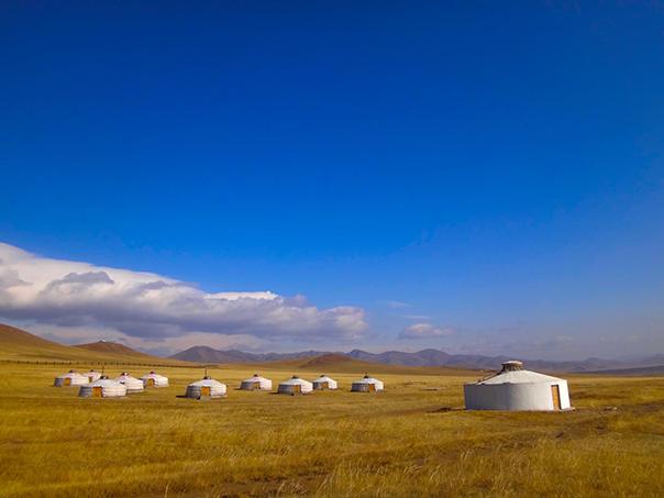 大草原のゲル