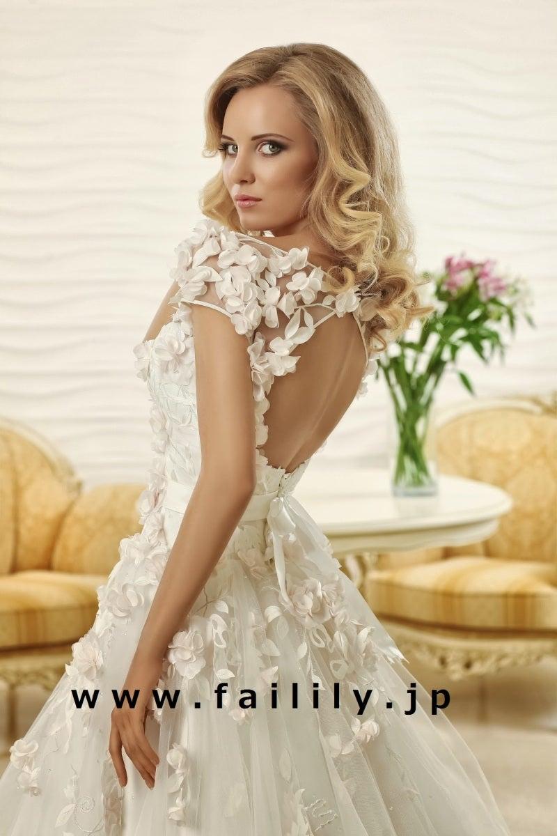 c584ef0c807c7 超高級ドレスのレンタル価格は驚きの10万円から。サイズオーダーもOK