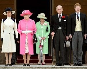 エリザベス女王、フィリップ殿下、ハリー王子