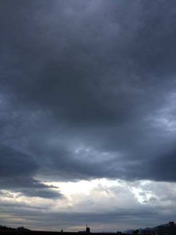 cloudy-place_20140602-2