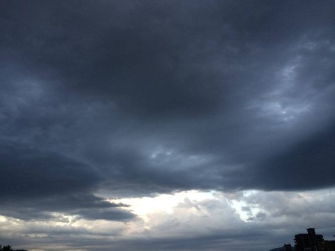 cloudy-place_20140602-1