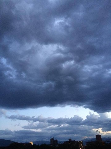 cloudy-place_20140602-4