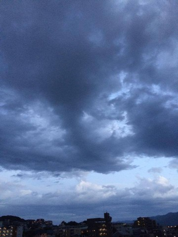 cloudy-place_20140602-5