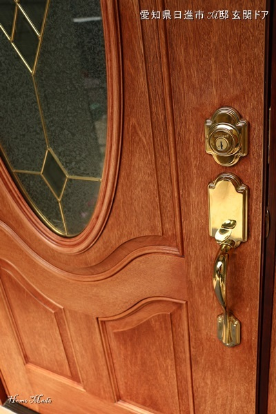 M邸の玄関ドア