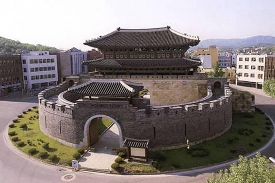世界遺産 水原華城(スウォンファソン) : 【韓国】初めてのソウル旅行!おすすめグルメ・観光スポット厳選34 - NAVER まとめ