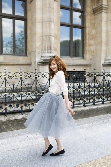 この秋トレンドのミモレ丈スカートで極める上品レディコーデ術