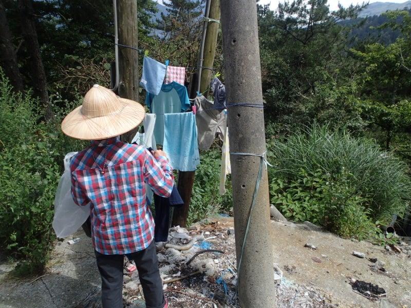 電柱と洗濯物