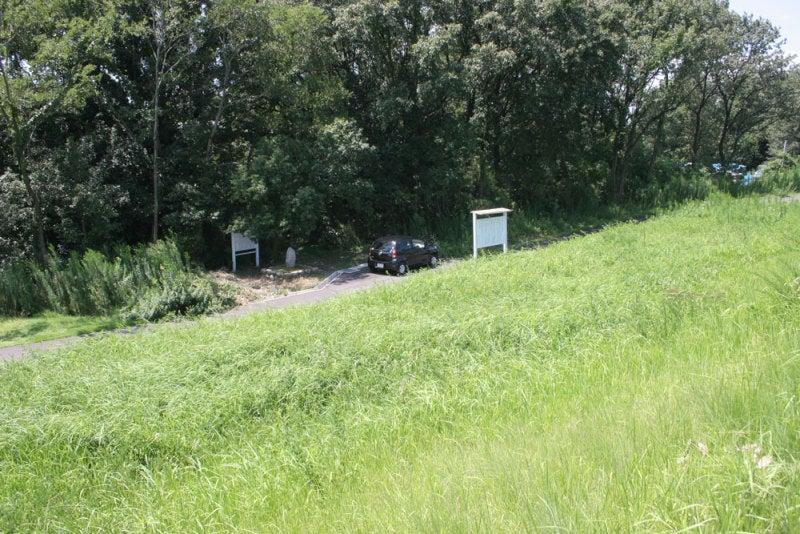 松倉城(尾張)②/説明板が堤防脇にあります