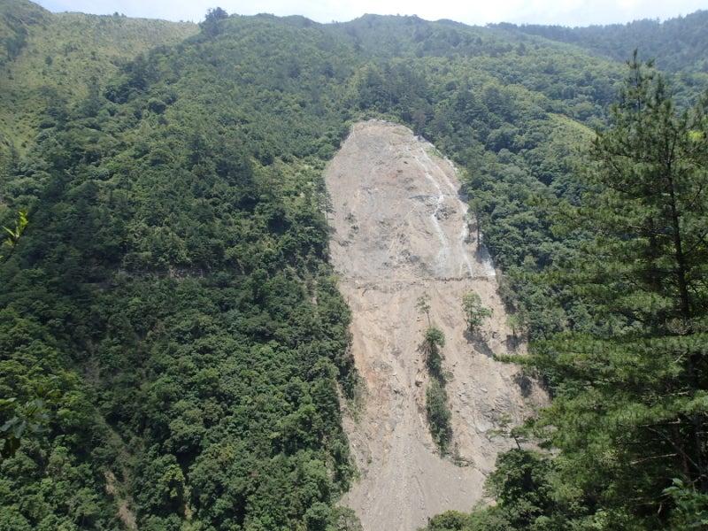土砂崩れ跡