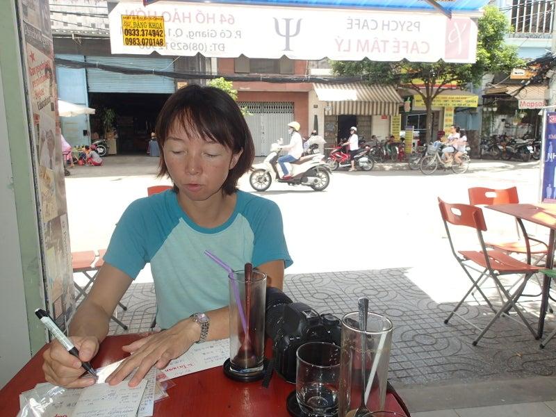 サイゴンのカフェにて