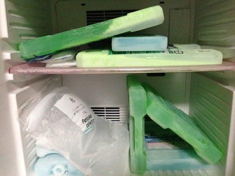 保冷剤の冷凍4