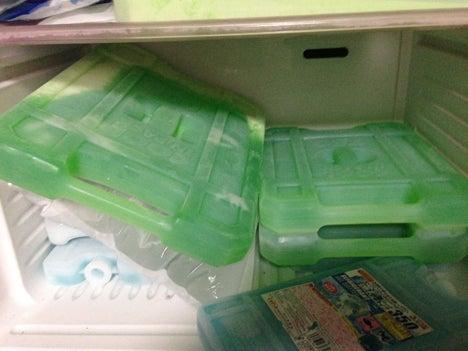 保冷剤の冷凍2