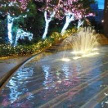 街中の噴水。