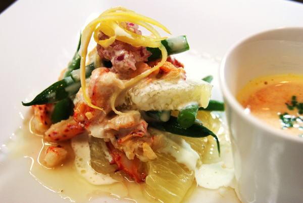 花咲蟹のサラダとビスク