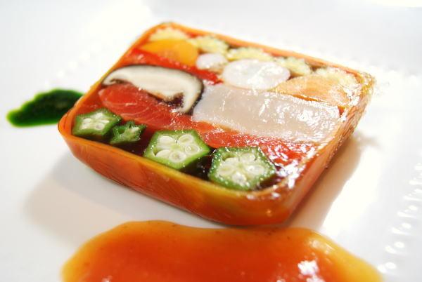 魚介と野菜のジュレ寄せ