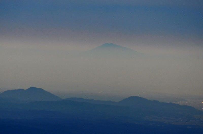 白神山地の二ツ森から見た鳥海山