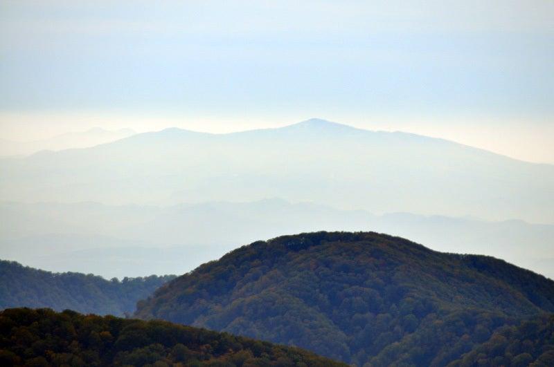白神山地の二ツ森から秋田駒ケ岳