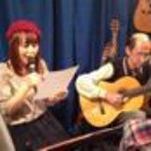ギター、弾いてます