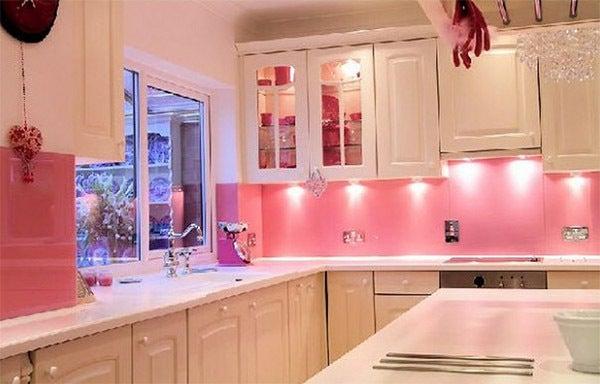 部屋 コーディネート♪-ピンクなキッチンで楽しくお料理を