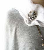 グレーヴィンテージカボッション刺繍ブローチ2WAY