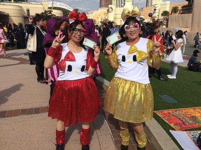 NAVER まとめUSJで友達と着たい!可愛いお揃い・双子コーデ♡【ユニバ/双子コーデ】