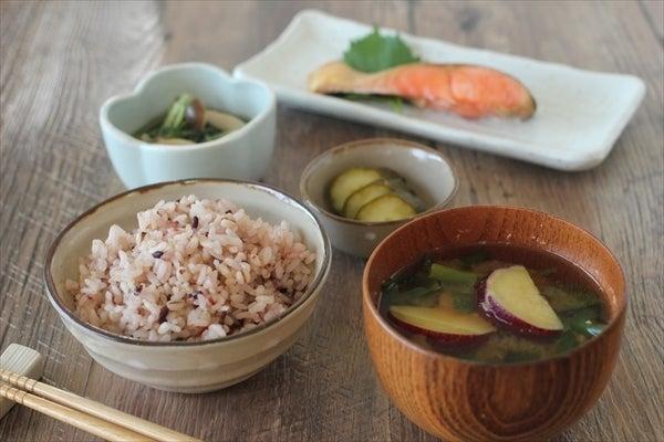 朝食(ごはん・鮭)