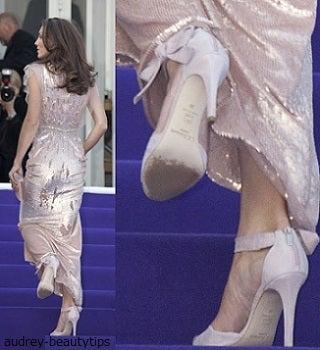 キャサリン妃 第2子 つわり ドレス