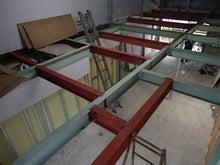 建屋の二階フロアーの追加工事
