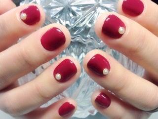 短い爪にボルドー1色塗り。とってもおしゃれに仕上がります・岐阜市ネイルココロ11/20|岐阜市ネイルココロ 30代からの大人女性と深爪・巻き爪・アトピーさんのための