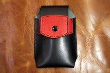 スマホケース黒×赤Iさん1412-2