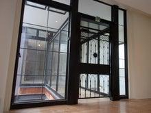 倉敷美観地区の建物内にアイアン扉を設置