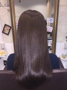 ハリ&ツヤがまったくないほど髪の毛の状態ヤバい…。
