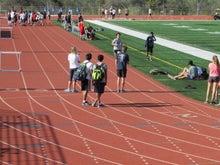 次男2マイルレースで1位