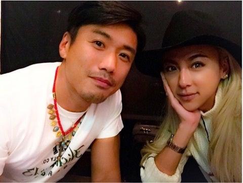 そう、GENKINGと破局したという噂の男性パートナー\u2026その正体として有力視されているのが俳優の金子賢さん(38)なんです!