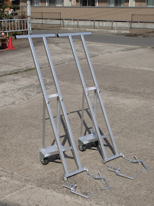 側溝の蓋を持ち上げる機具「側溝の蓋の持ち上げ機」