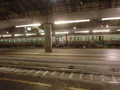 深夜のミラノ駅