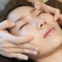 美顔鍼のモニター患者…