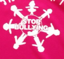 KNS「StopBulling」Verピンクシャツ