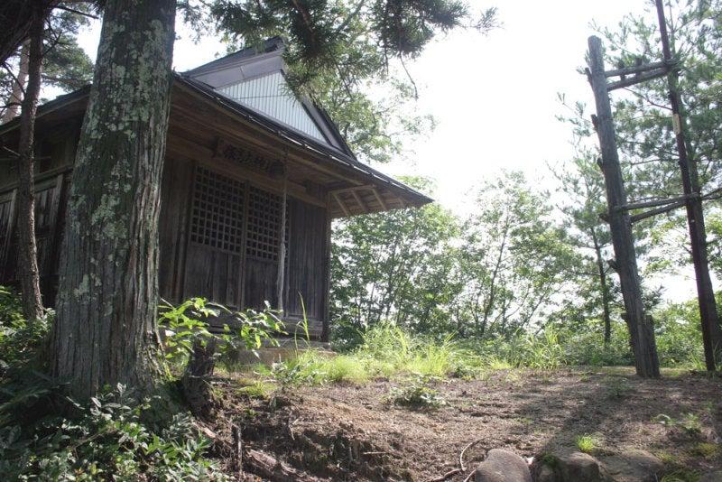 小松尾城/⑤主郭にある神社