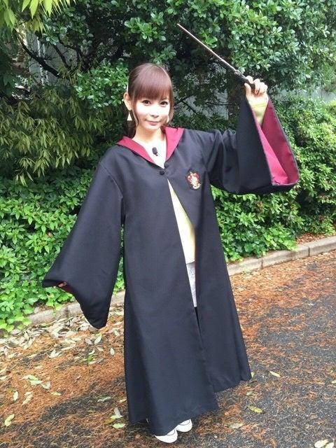 ハリーポッターの衣装を着る中川翔子