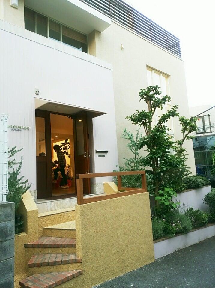 大人の隠れ家サロンでAVEDAカラー&トリートメント☆。・