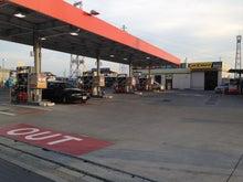 ガソリンスタンドが広い