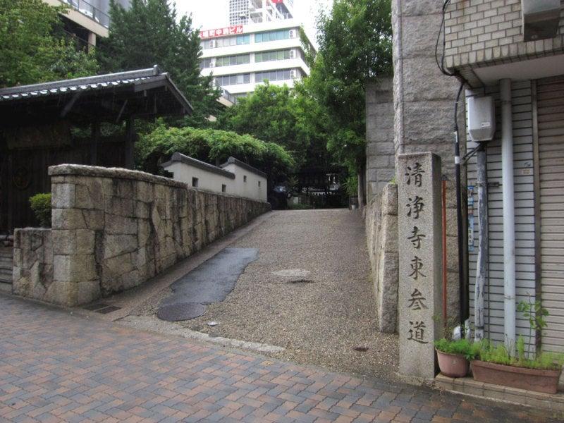 小林城/①通路の東側出口