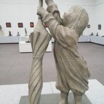 柏井保育園卒の彫刻家…