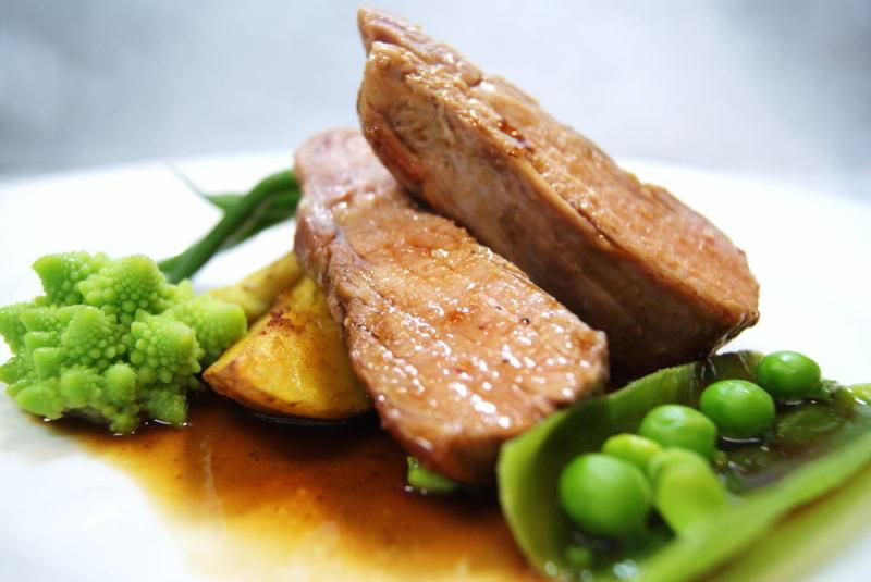 三元豚フィレ肉のロースト